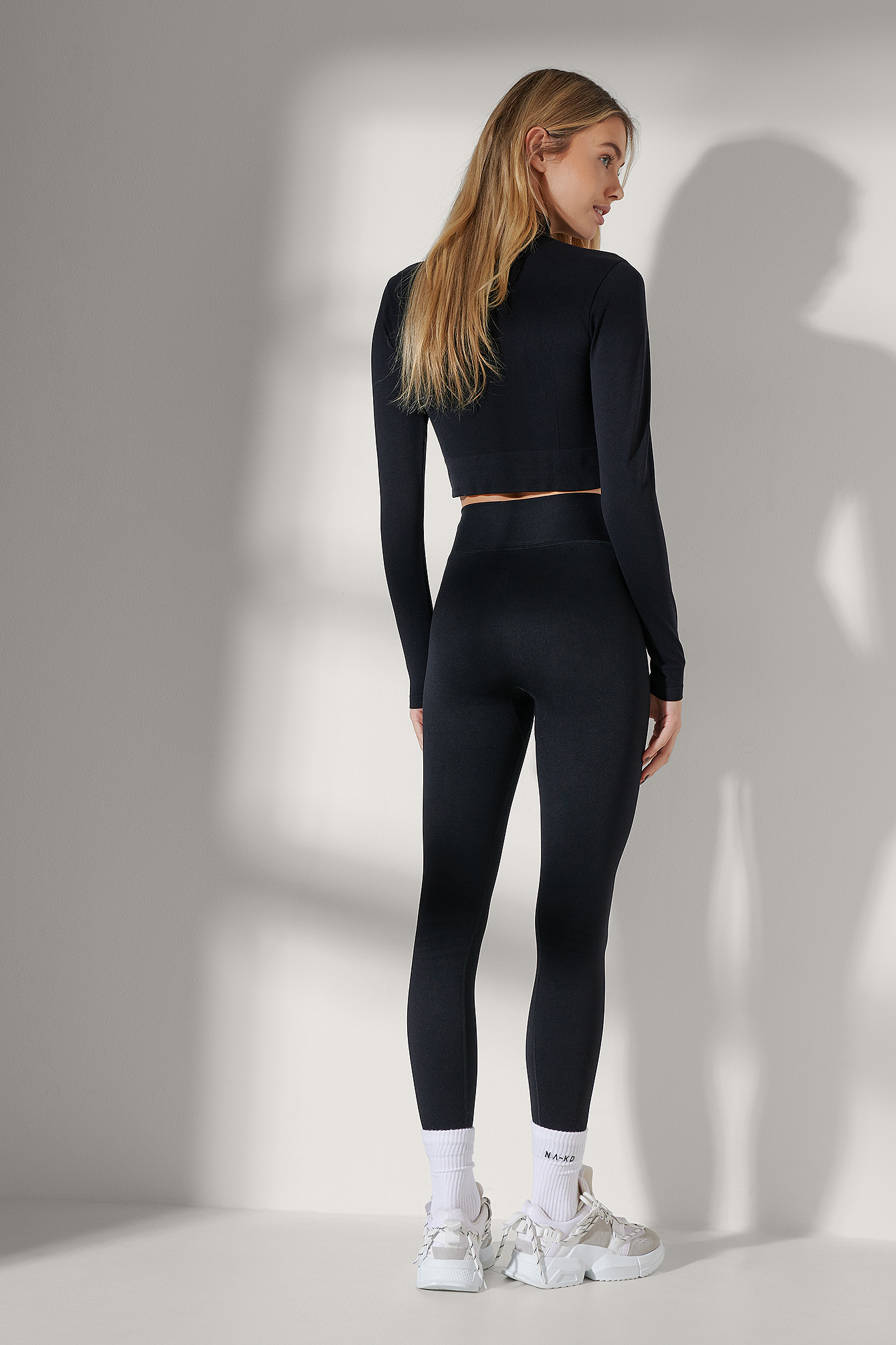 Black Two-Way Zipper Long Sleeve top