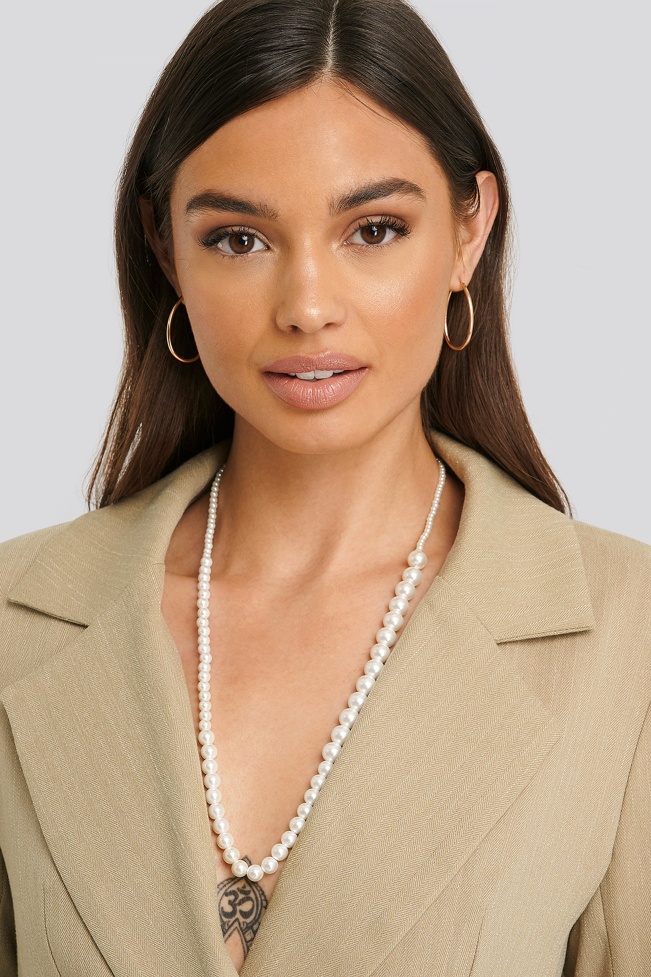 White Uneven Long Pearl Necklace