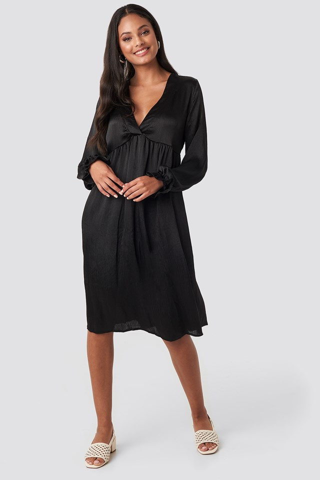 V Front Frill Sleeve Dress Black