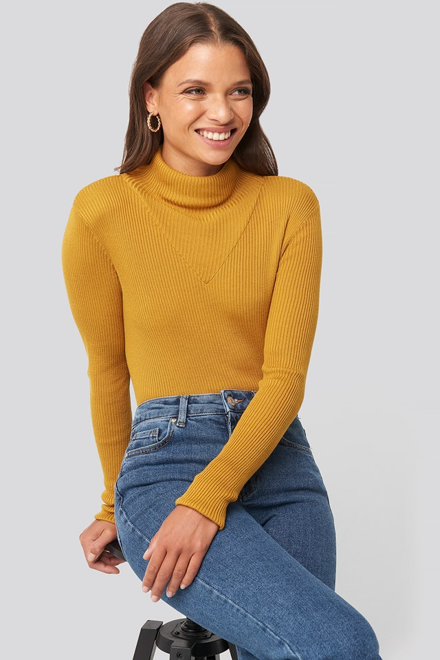 V Detailed High Neck Sweater Mustard Yellow