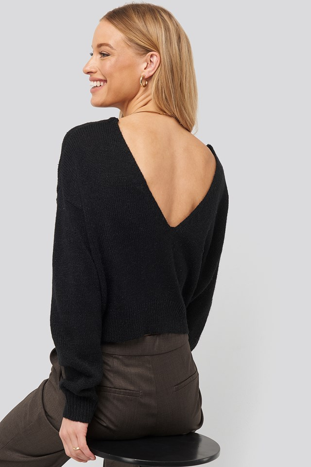 V-neck Back Cropped Knitted Sweater Black