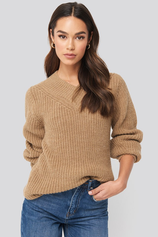 Wide Band V-Neck Ribbed Sweater Tan