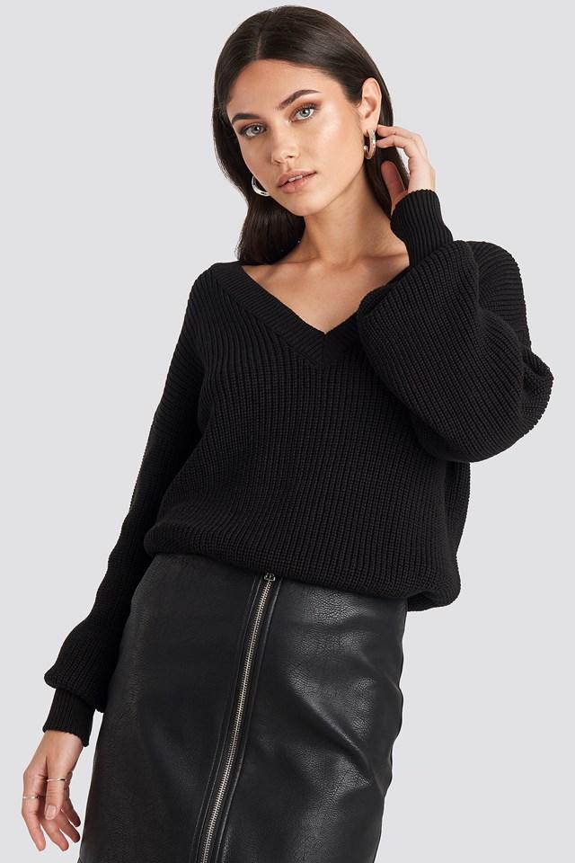 Oversized V-neck Knitted Sweater Black
