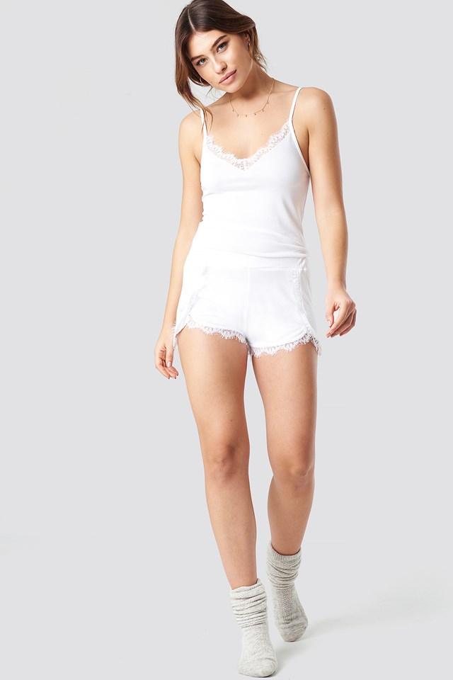 Overlapped Lace Detailed Shorts White