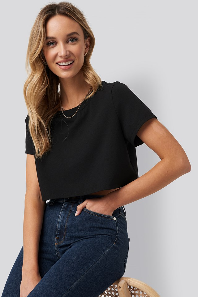 Raw Hem Cropped T-shirt Pamela x NA-KD