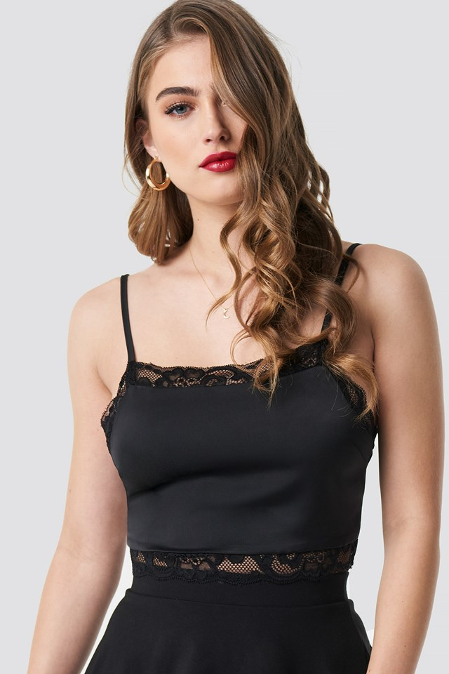 Cropped Lace Singlet Black
