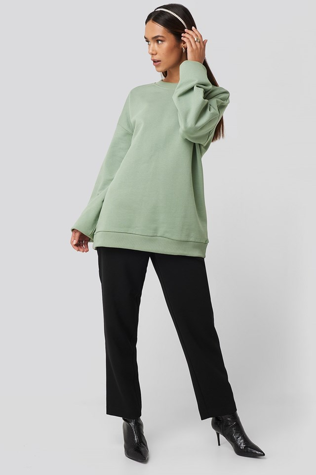 Oversized Crewneck Sweatshirt Green Outfit