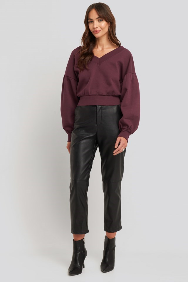 Puff Sleeve V-neck Sweatshirt Outfit