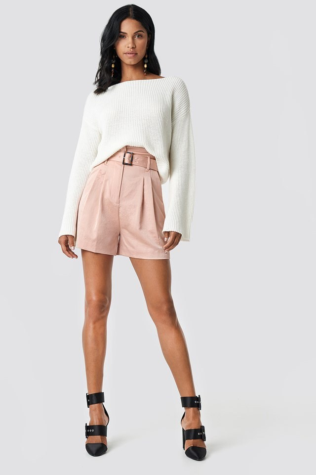 White Knitted Sweater and Pink Shorts Outfit