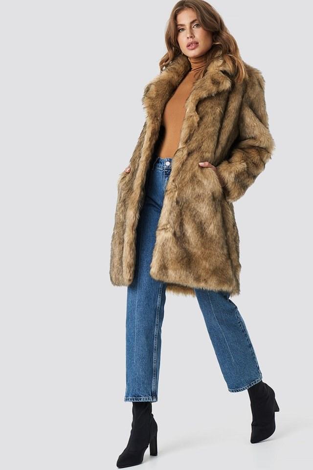 Classy Faux Fur Outfit