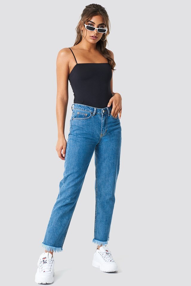 Boyfriend Jeans with Black Top Outfit.
