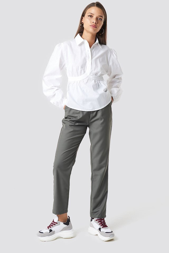 Cup Detailed Cropped Shirt