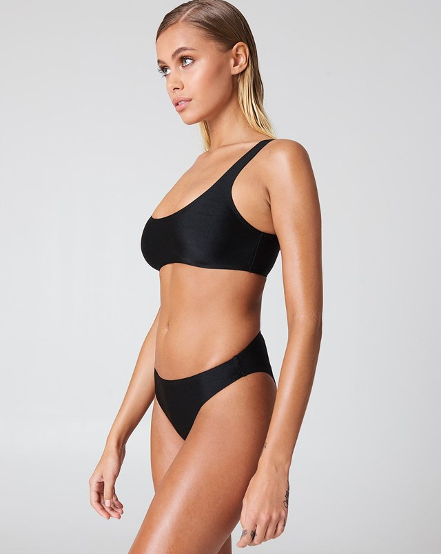 Black Sporty Bikini Outfit