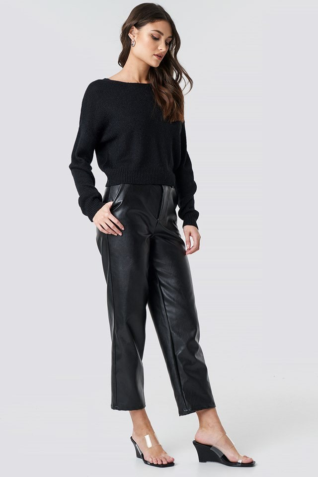 V-neck Back Cropped Knitted Sweater Black Outfit