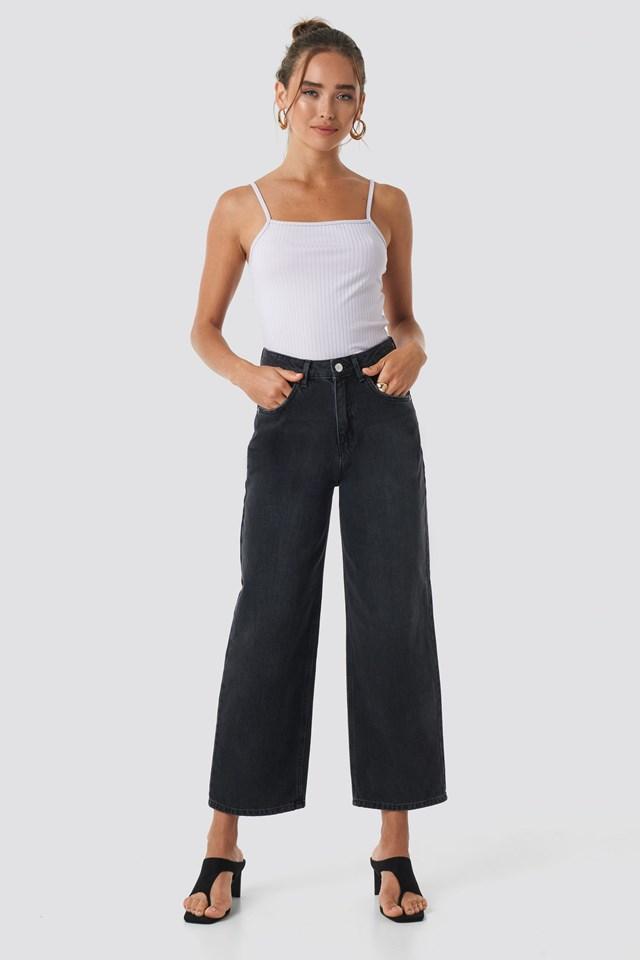 Loose Leg Jeans Black Outfit