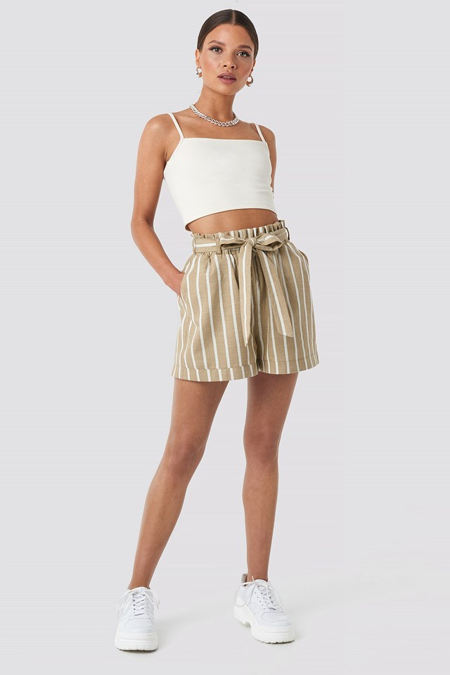 Tie Waist Relaxed Shorts Beige Outfit