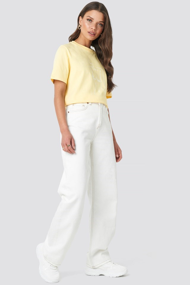 Lady Print T-shirt Yellow Outfit