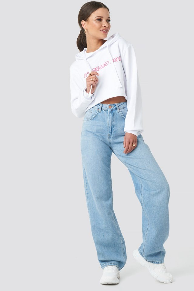 Cropped Hoodie White Outifit