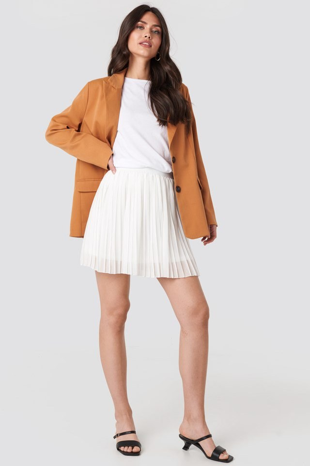 Mini Pleated Skirt White Outfit
