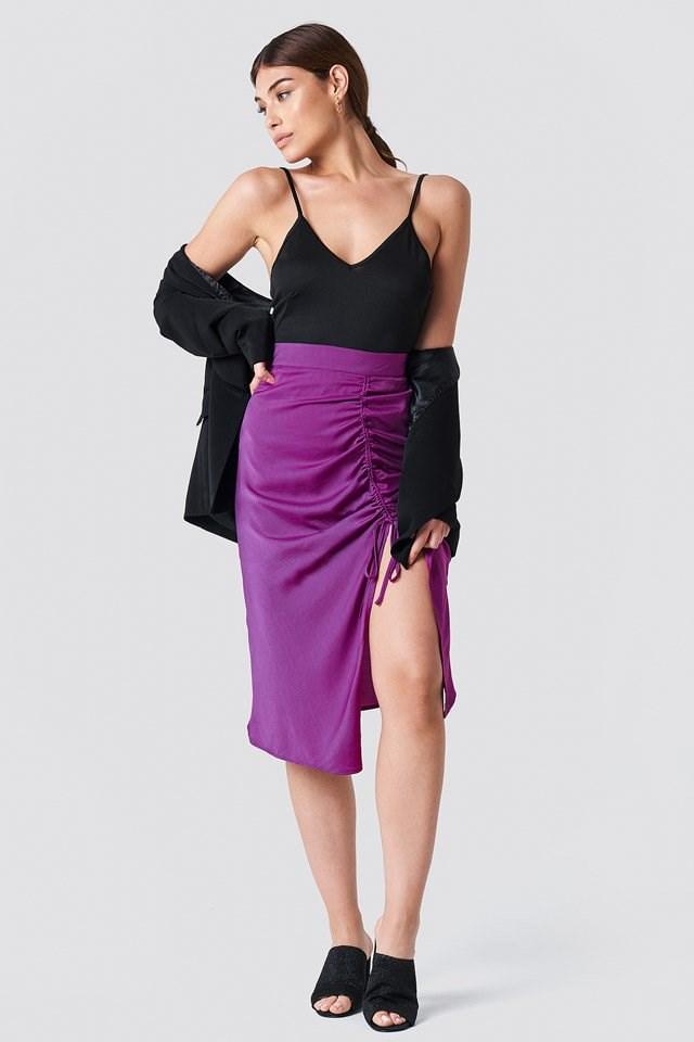 Feminen Midi Skirt Outfit