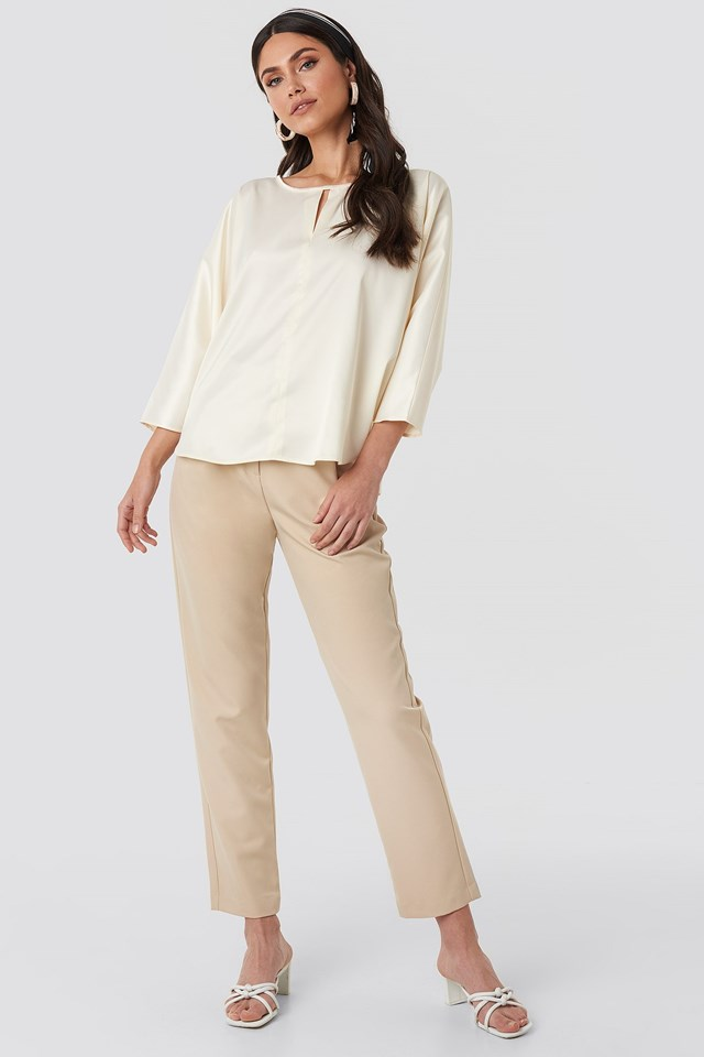 Batwing Cropped Blouse Beige Outfit