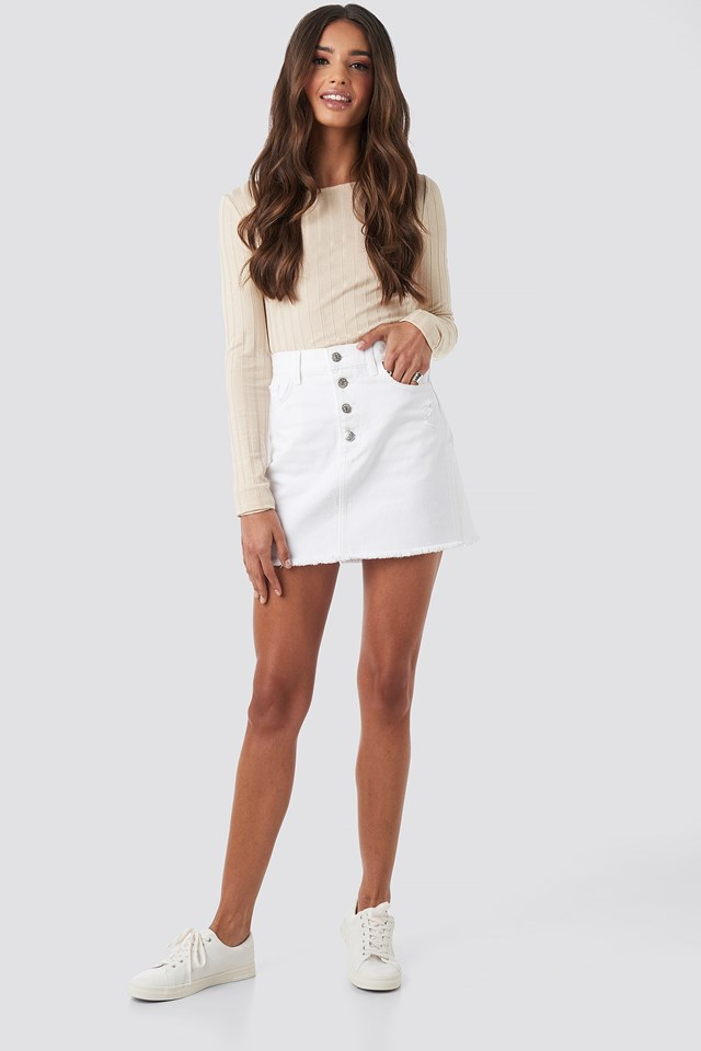 Raw Hem Button Up Mini Skirt White Outfit