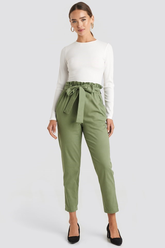 Binding Detailed Trousers Green Outfit.