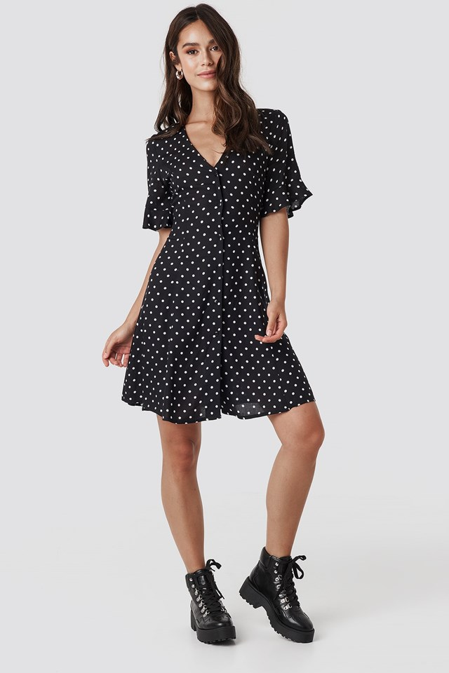 Polly Dot Dress Black Outfit.