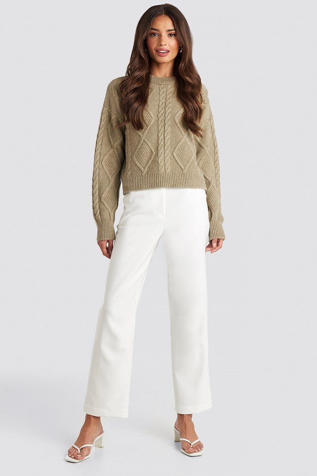 Cable Knitted Roundneck Sweater Beige Outfit.