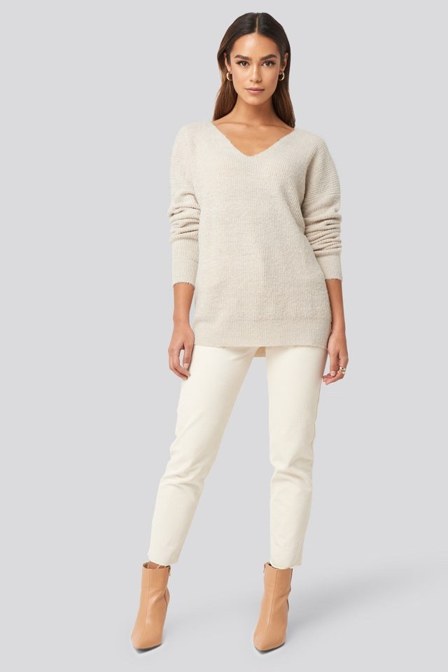 Oversized V Neck Knitted Sweater Outfit