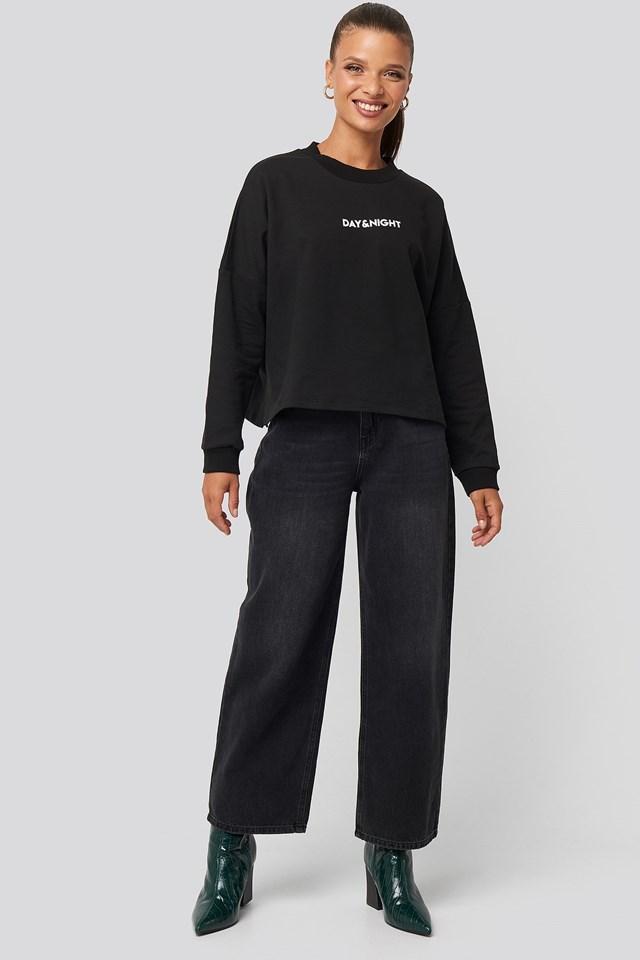 Printed Sweatshirt Look