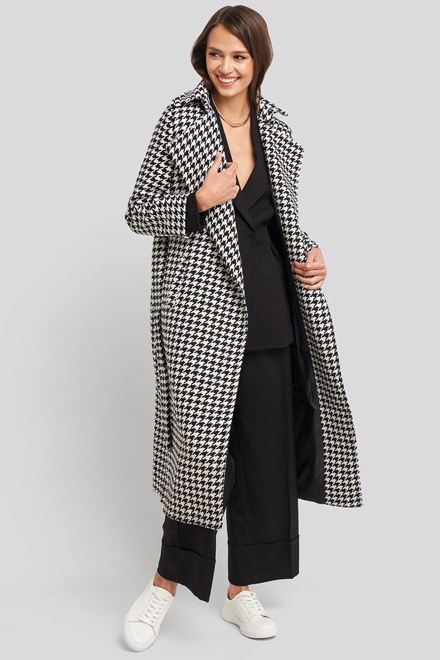 Belt Patterned Stamp Coat White Outfit.