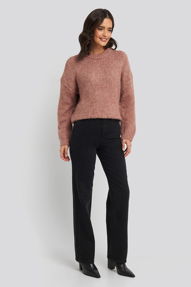 Darya Sweater Pink Outfit