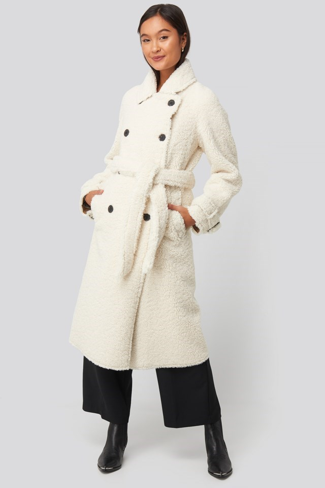 Fuzzy Coat Beige Outfit