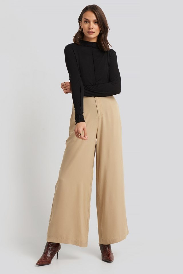 Flowy Wide Leg Pants Outfit.