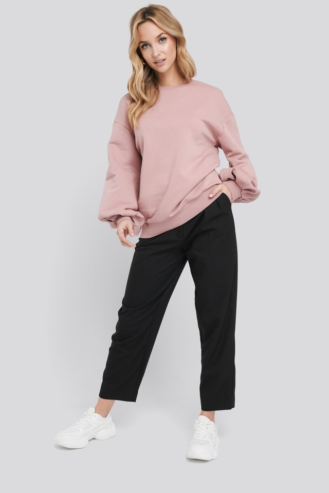 Cut Out Oversized Sweatshirt Outfit