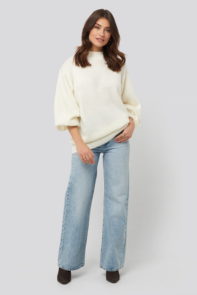 Oversized Long Knitted Sweater White Outfit