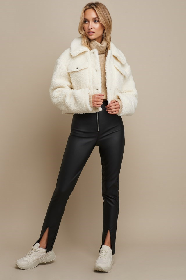 Teddy Short Jacket White Outfit