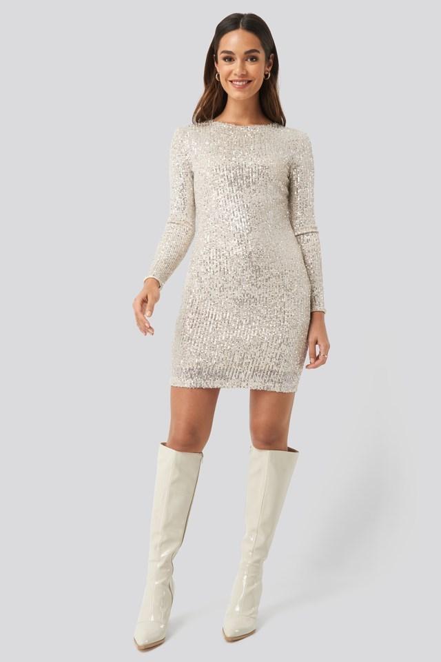 Lanjuela Dress Silver Outfit