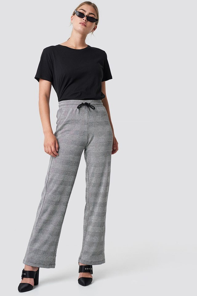 Wide Leg Checkered Pants