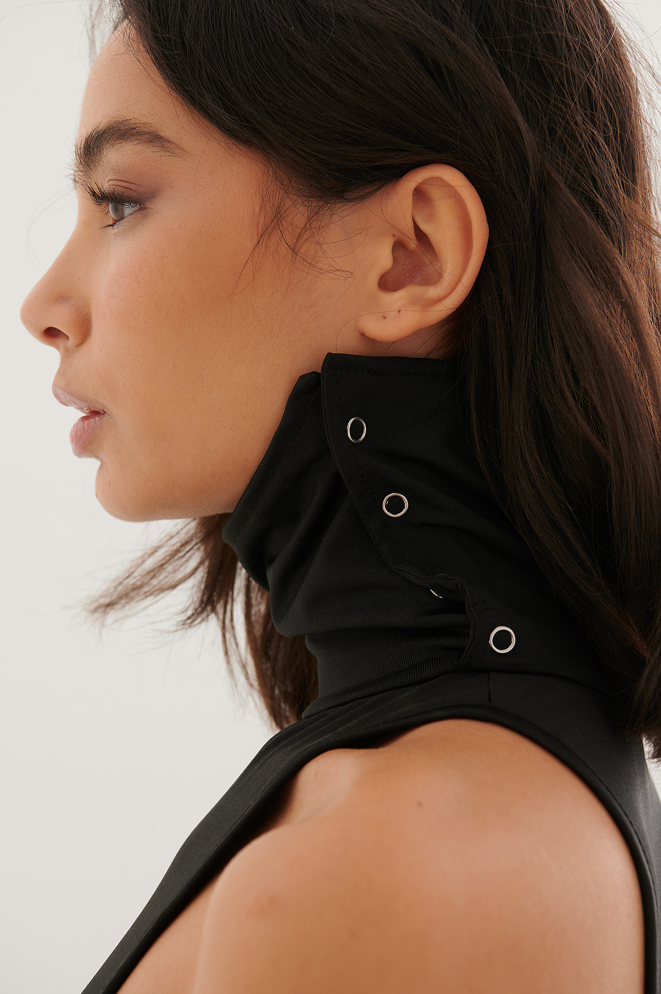 Black Vertical Collar Body