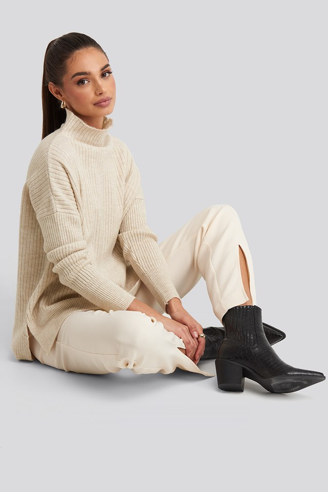 Vertical Neck Knitted Sweater Trendyol