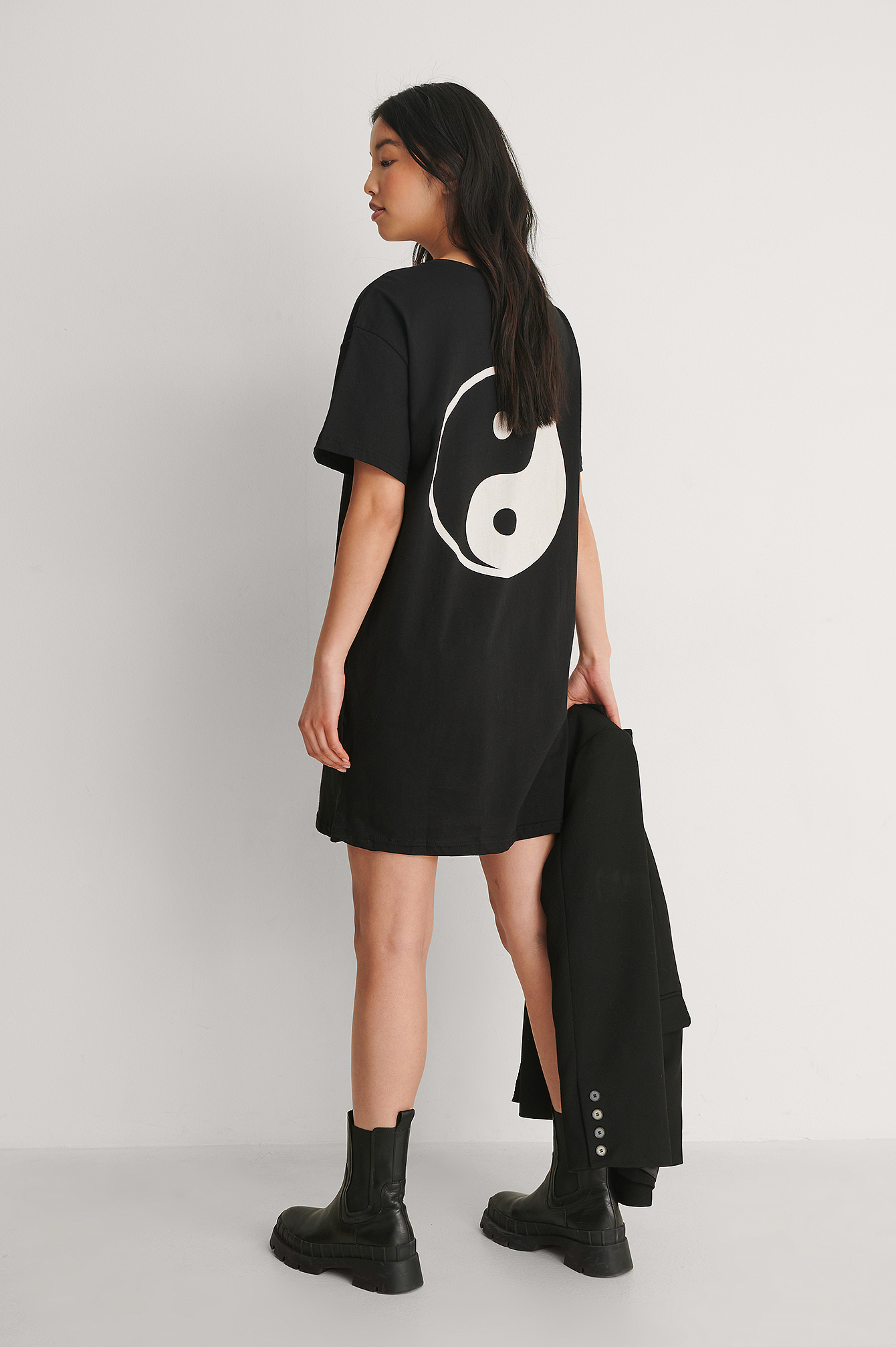 Black Ying Yang Long Tee