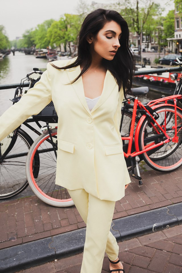 Belted Long Fitted Blazer Outfit.