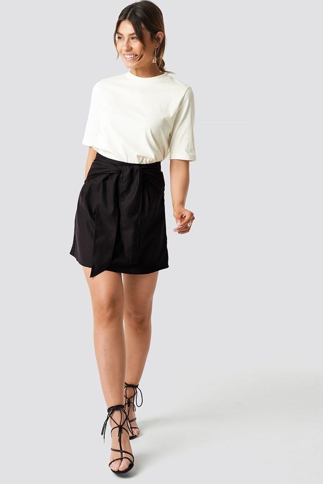Black Mini Skirt Outfit