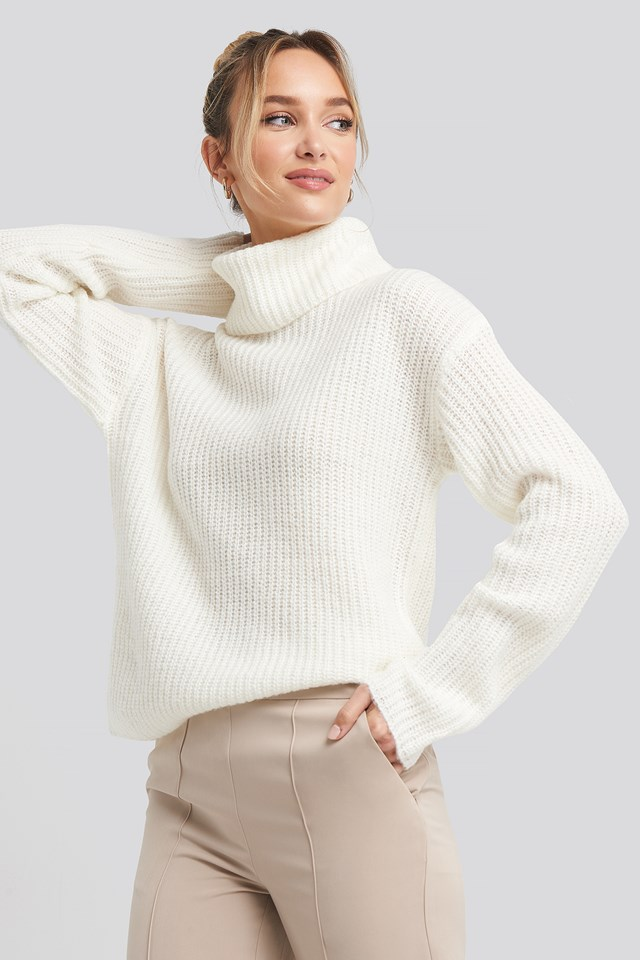 Big Turtleneck Knitted Sweater White