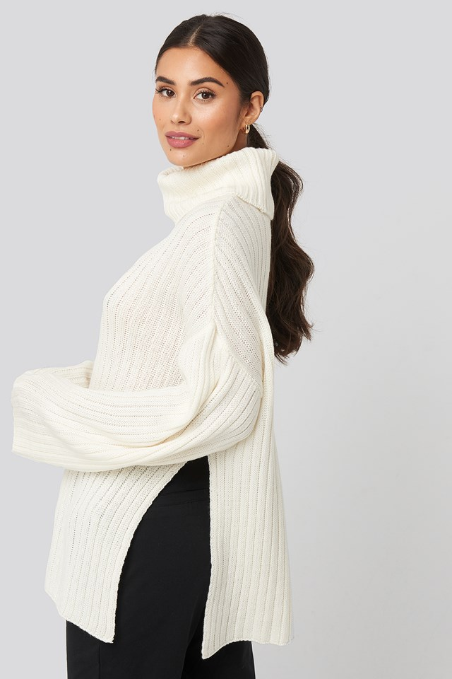 Side Slit Oversized  Knitted Sweater Offwhite