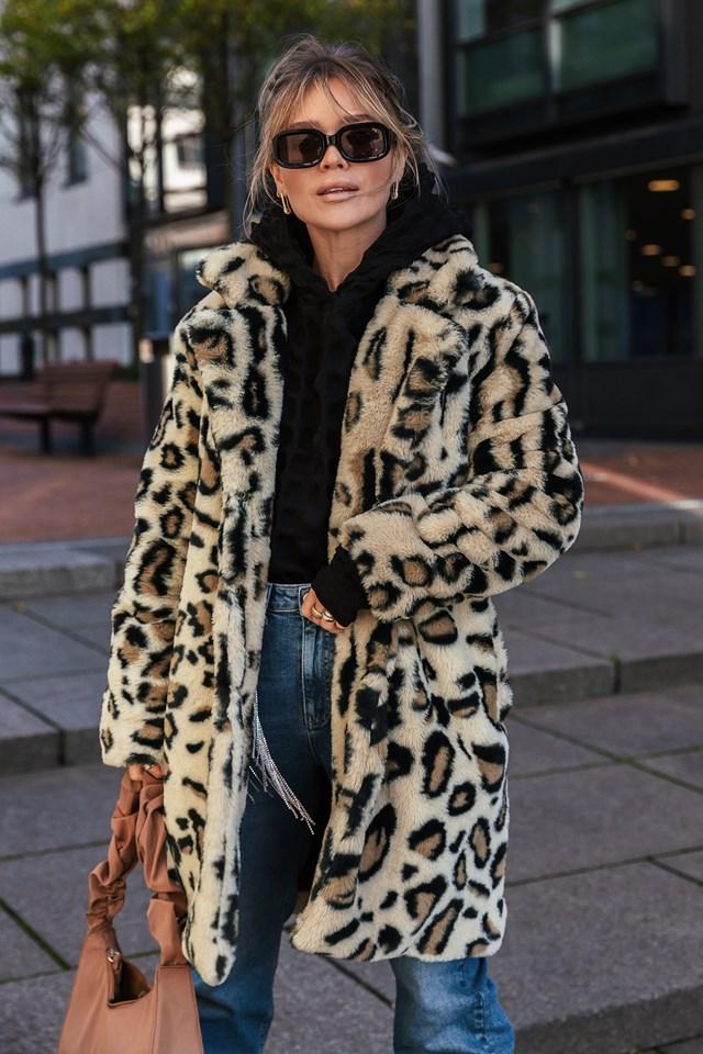 Marked Shoulder Faux Fur Coat Leopard