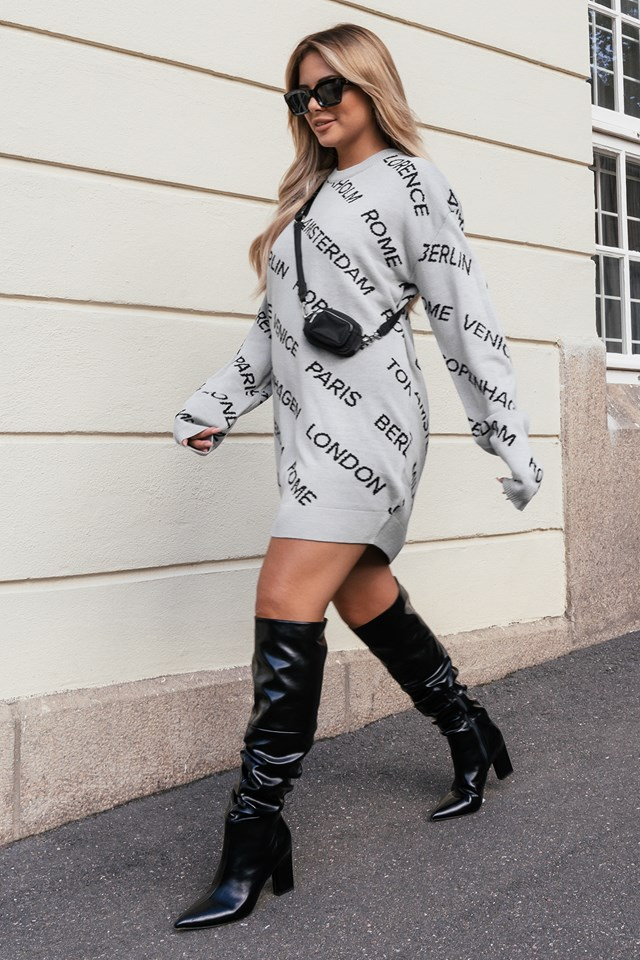 Oversized Long Knitted Sweater Grey