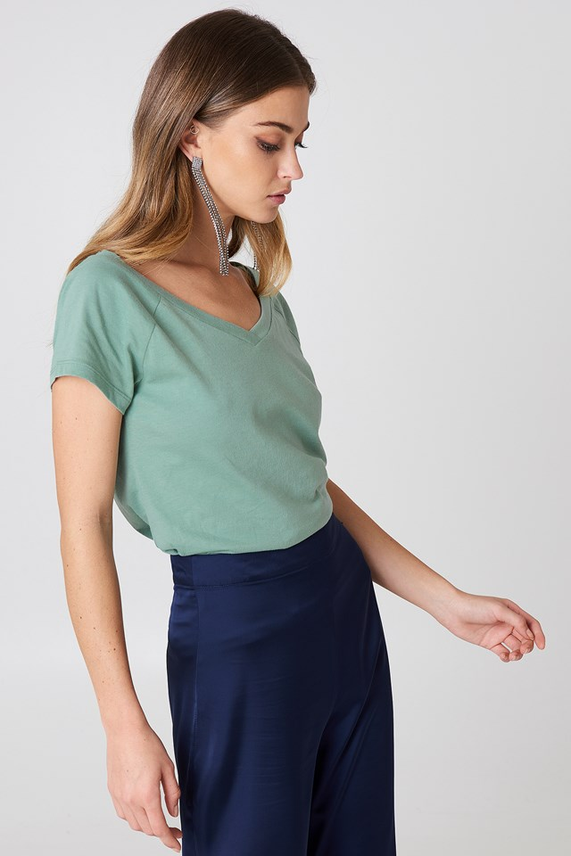 Slip Shoulder V-Neck Tee Duck Green